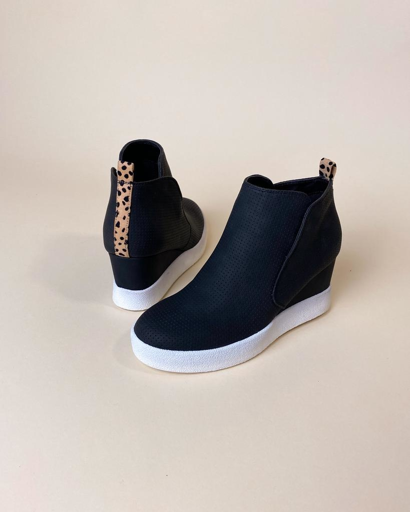 Wedge Never Give Up Black Sneaker