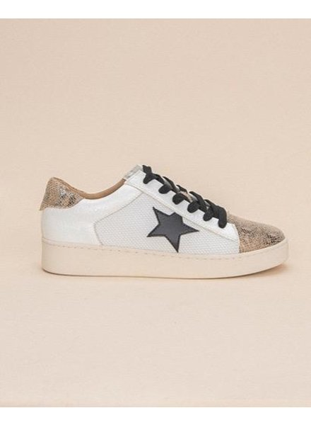 Flat Written in the Stars Sneaker
