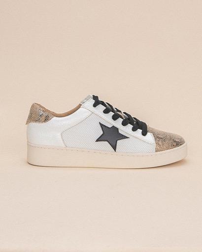 Flat Written in the Stars Sneaker