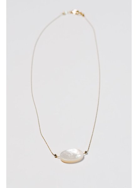 Gold Short pearl-like pendant