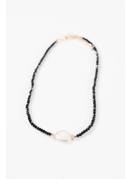 Choker Black and pearl bead choker