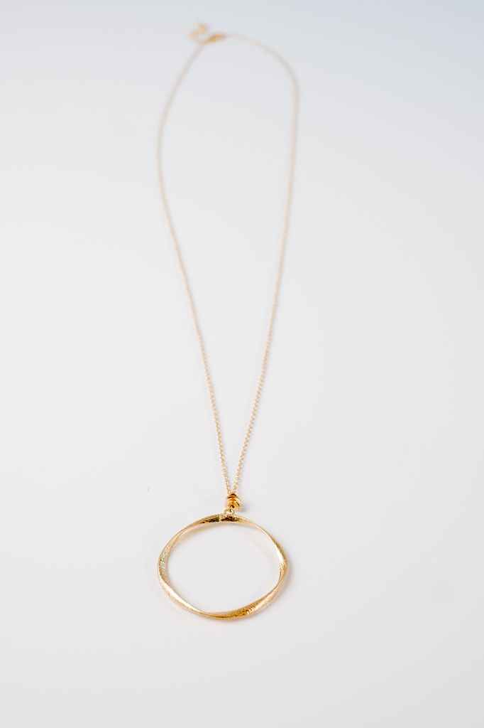 Open O necklace