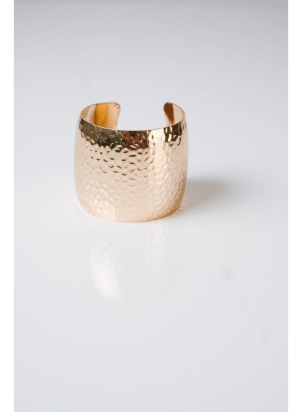 Cuff Textured cuff bracelet *2 COLORS
