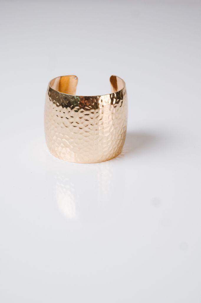 Cuff Textured cuff bracelet *2 COLORS