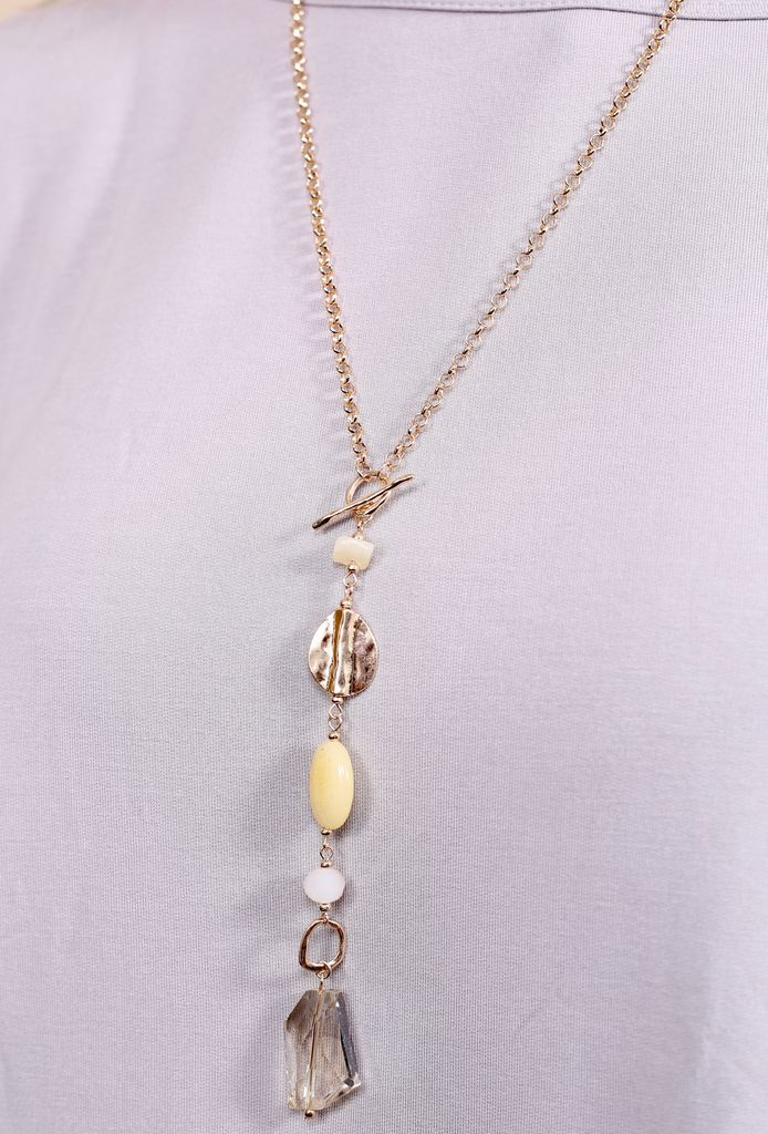 Caroline Hill Bergs toggle necklace with glass and stone