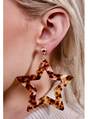 Caroline Hill Mayberry resin star post earring