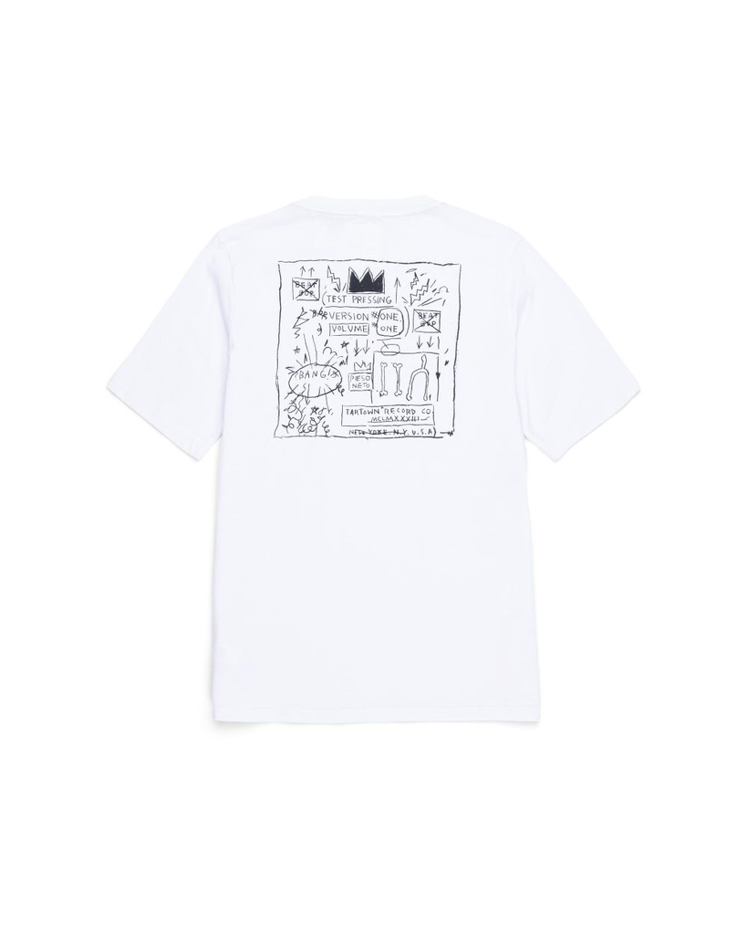 """BASQUIAT """"BEAT BOP"""" PRINTS<br /> 179 GSM - 100% COTTON<br /> 1X1 RIBBED COLLAR<br /> NECKLINE KNIT DNA TAPING WITH LOCKER LOOP<br /> INTERNAL HEAT TRANSFERRED CLASSIC LABEL<br /> HERSCHEL BRANDED DNA TAB<br /> CLASSIC LOGO"""