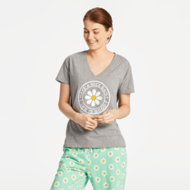 Life is Good Womens Snuggle Up Sleep Tee, Have a Nice Daisy
