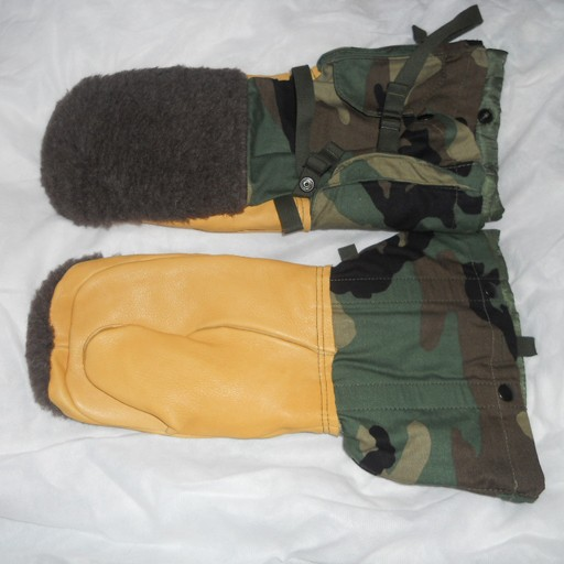 GENUINE SURPLUS US Issue, Arctic ECW Mitts, Woodland