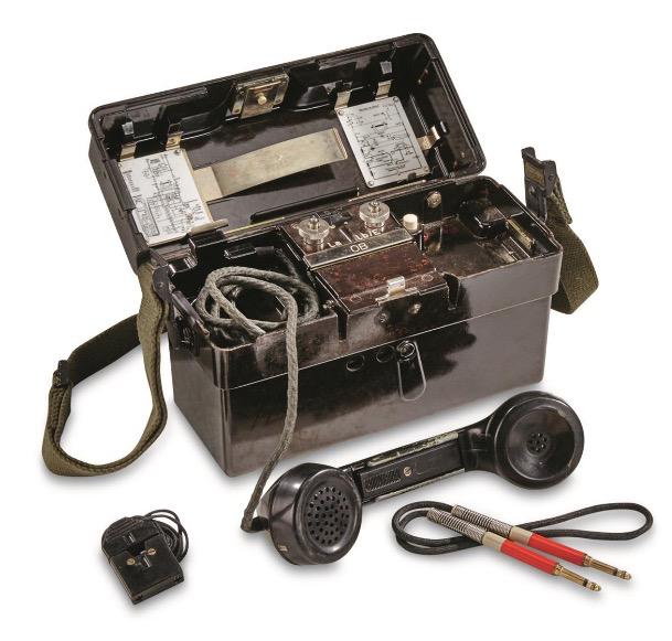 GENUINE SURPLUS Telephone, Field, German