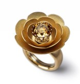 SPRING BLOSSOMS-yellow gold-28mm
