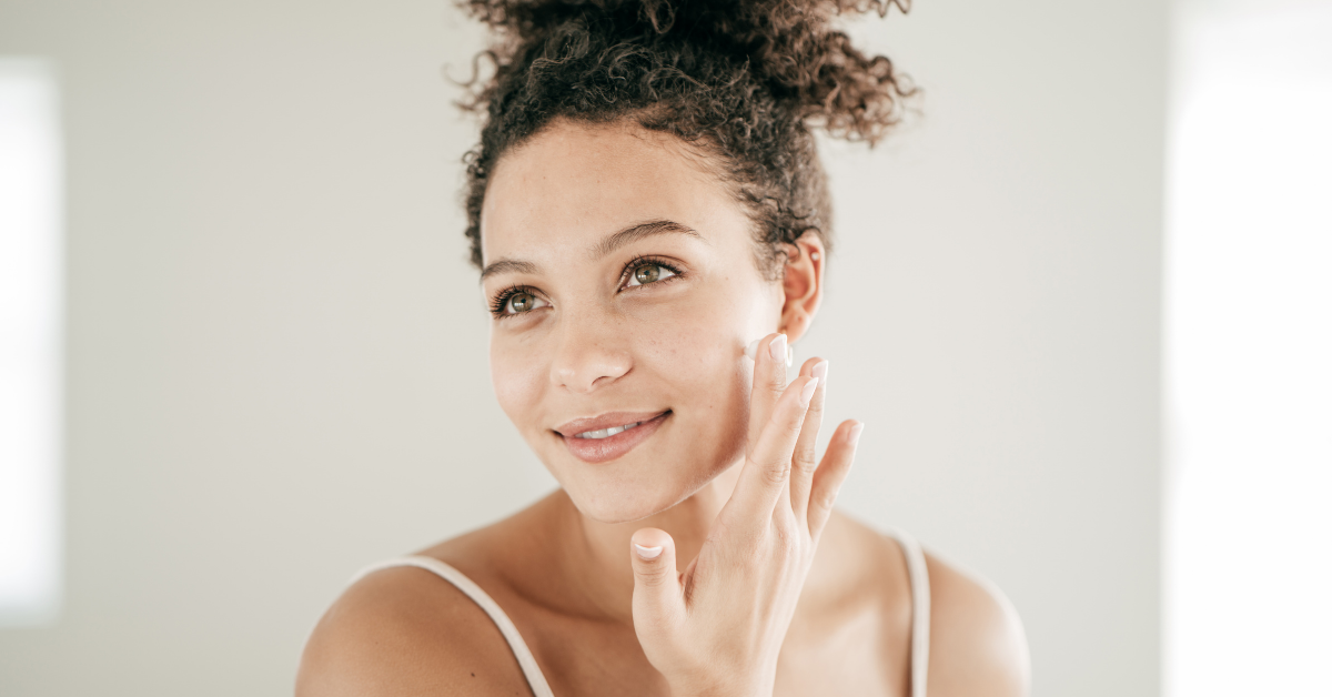 What Is Retinol: The Beginner's Guide to Using the Ingredient