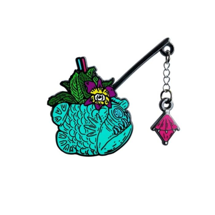 Fangtooth Pin, Enamel