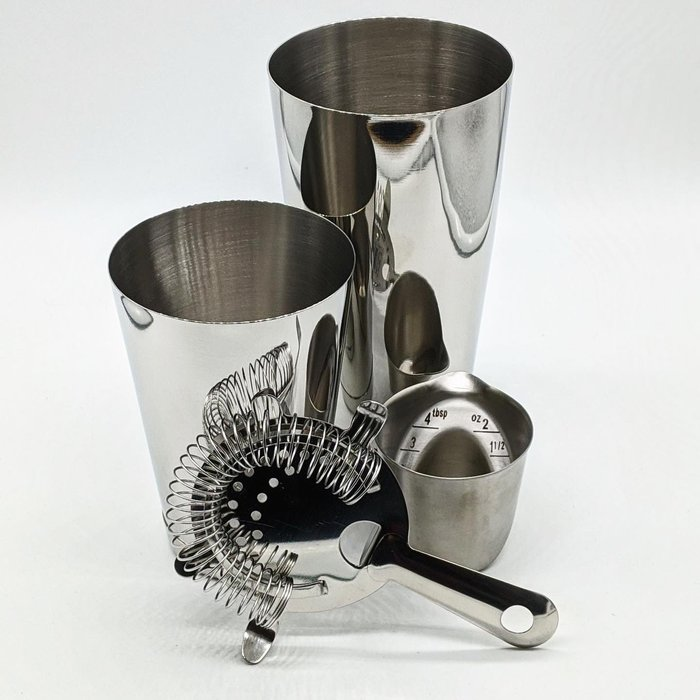 The Stainless Steel Shaker Set - OXO Jigger