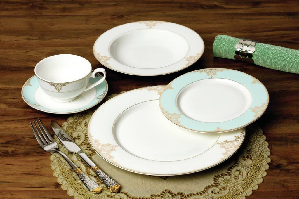 Aqua Accent Gold 20 pc Dinnerware Set