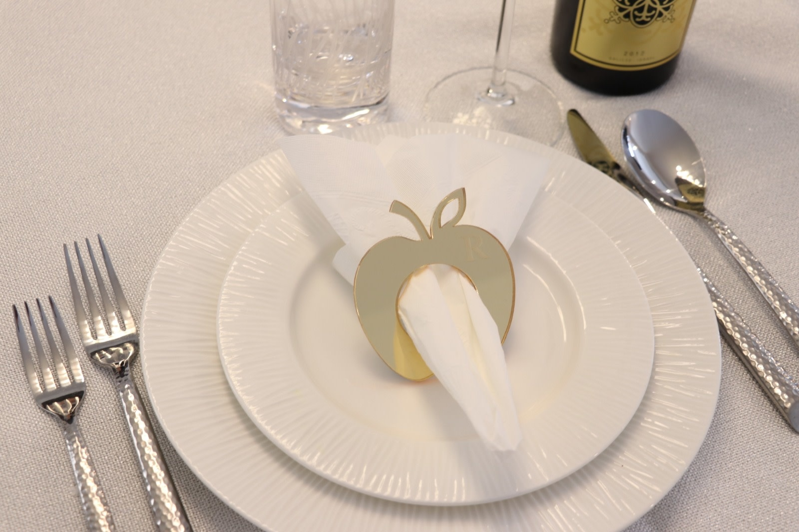 Gold Apple Shaped Lucite Napkin Rings S/4