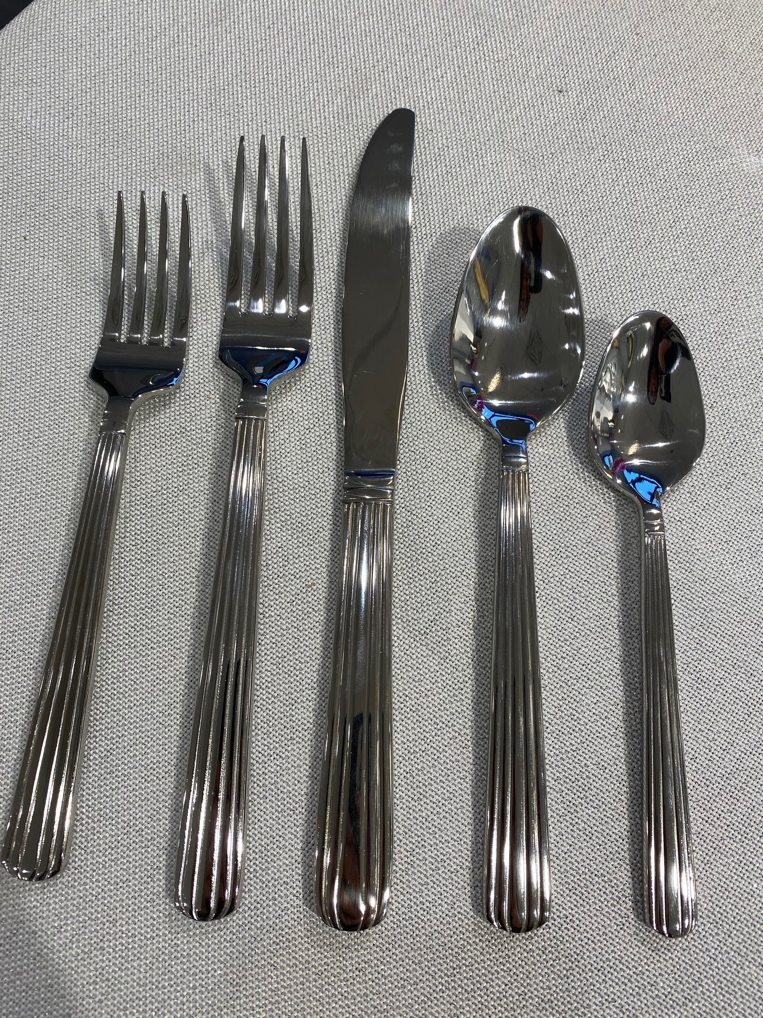 Regency 20 pc Flatware