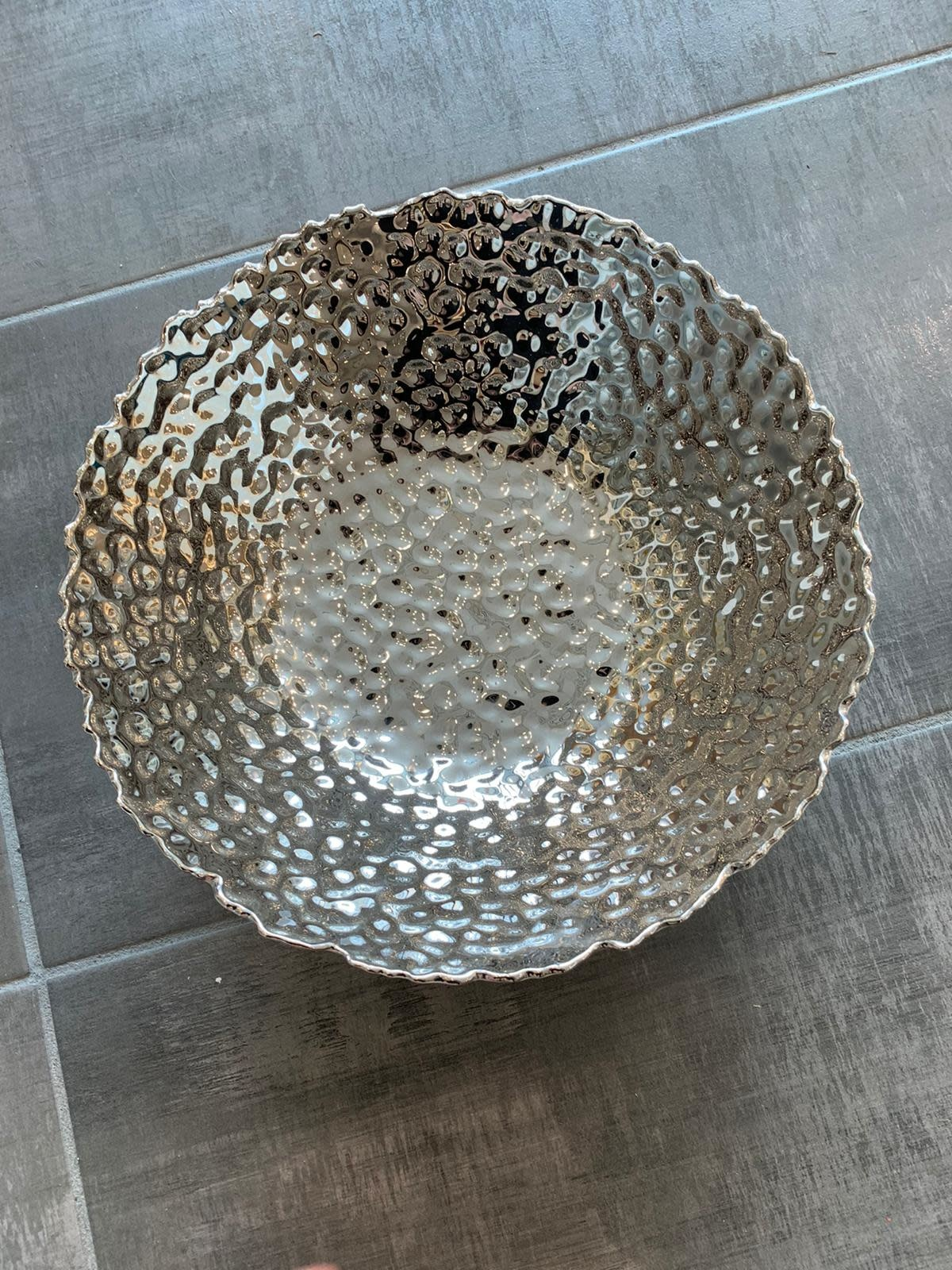 Silver/White Hammered Salad Bowl