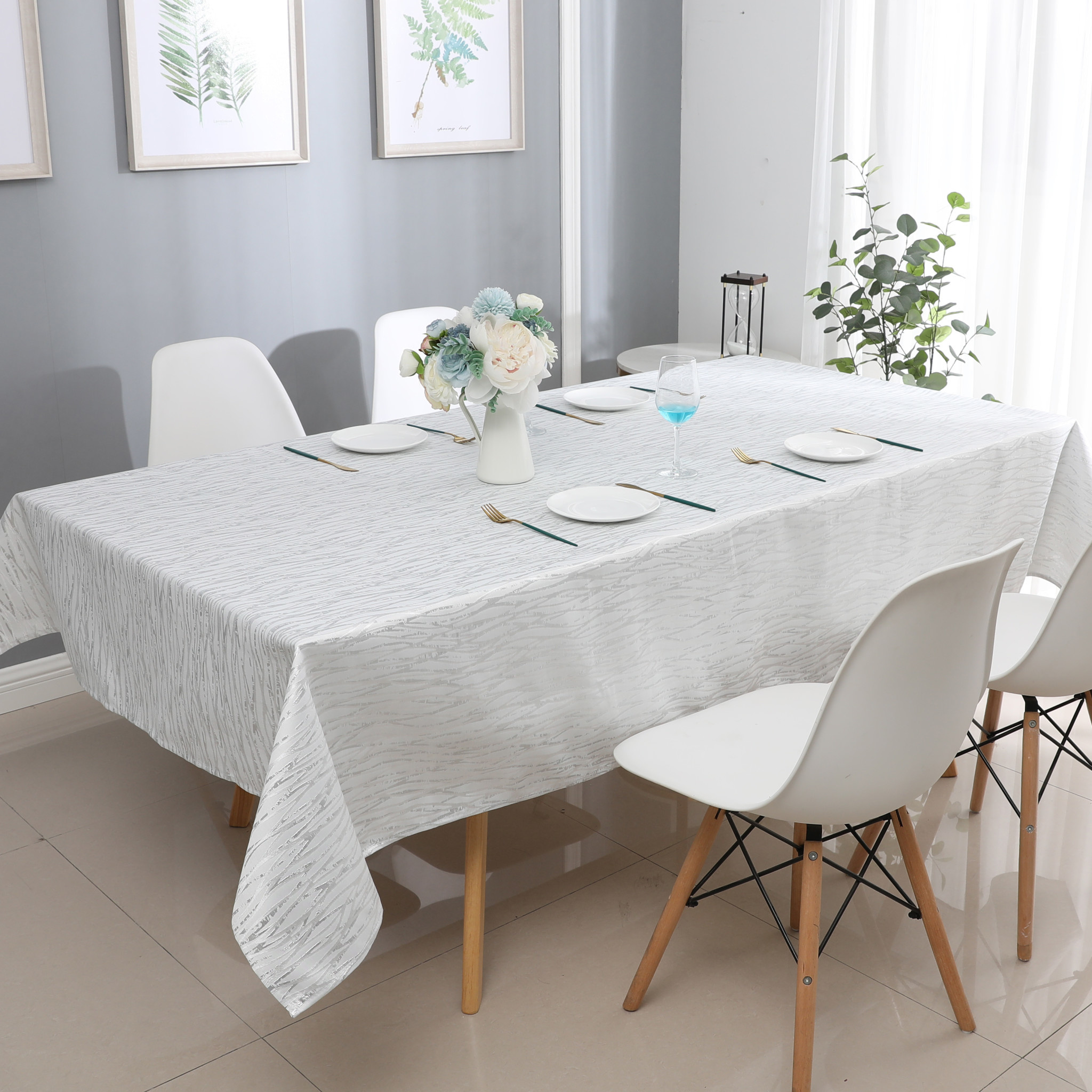 TC1317- 70 x 120 Jacquard  White/silver Tablecloth