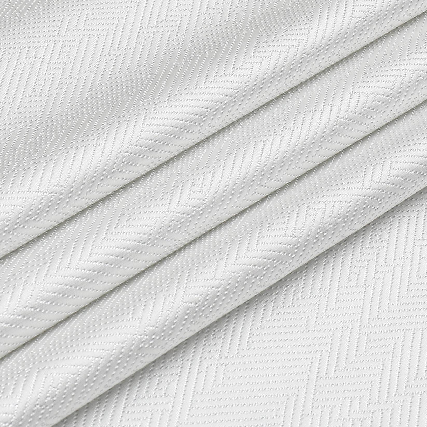 TC1335- 70 x 120 Jacquard  Desert White Silver Tablecloth