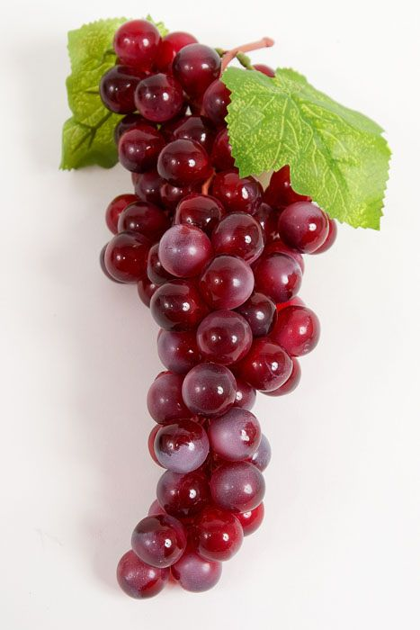 Grapes w/ green leaf