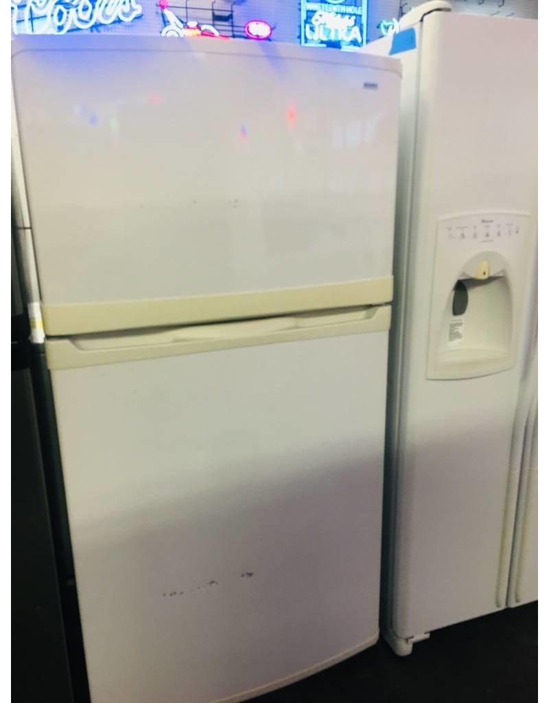 Kenmore Elite Top Freezer Fridge W Ice Maker Inside Water Dispenser