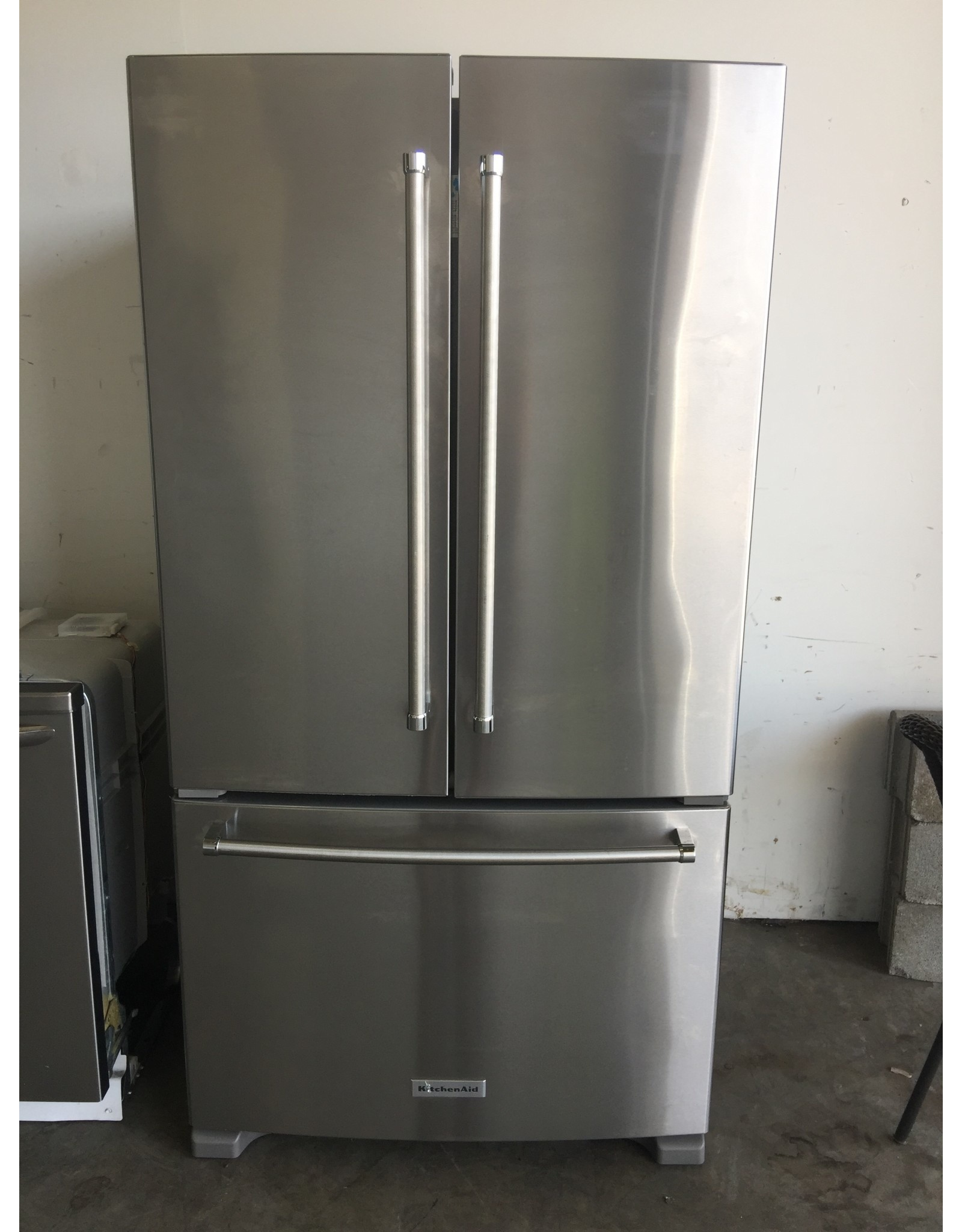 KITCHENAID KITCHENAID STAINLESS FRENCH DOOR REFRIGERATOR W/ICE MAKER & INSIDE WATER