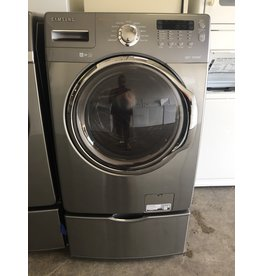 SAMSUNG SAMSUNG FRONT LOAD STEAM WASHING MACHINE W/PEDESTAL IN STEEL GRAY