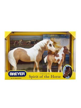 BREYERS HORSES Breyer Misty & Stormy - Models and Book Set 1157