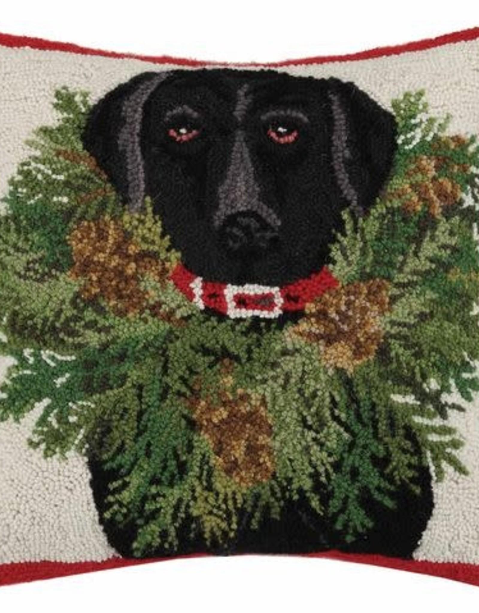 Black Lab w/Wreath Pillow xx