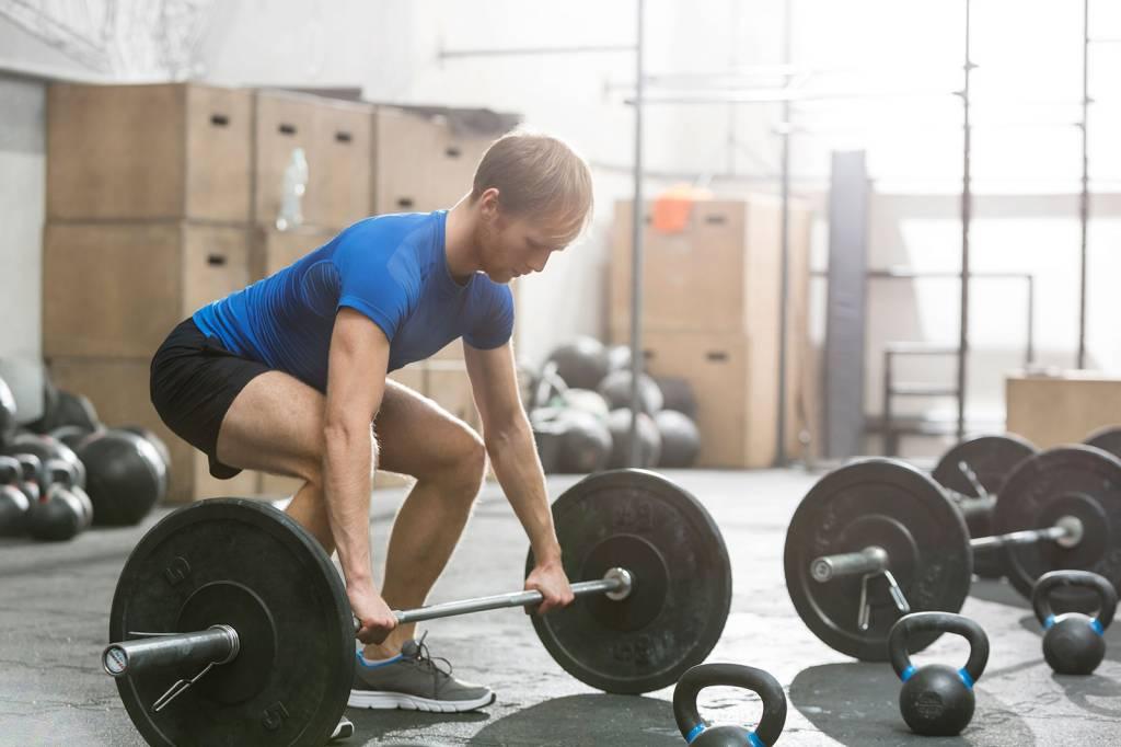 9 Reasons Everyone Should Lift Weights