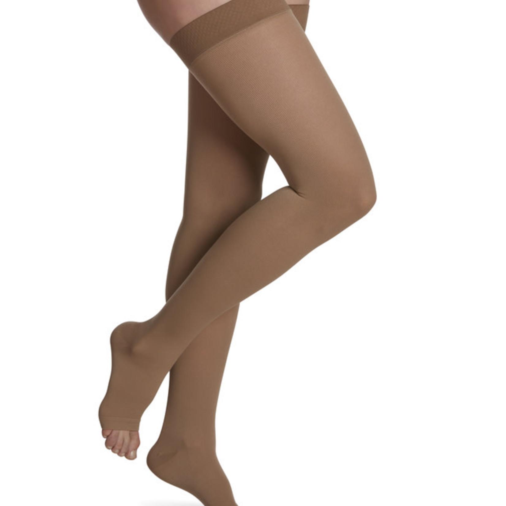 SIGVARIS Women's Essential Cotton Thigh-High 20-30mmHg
