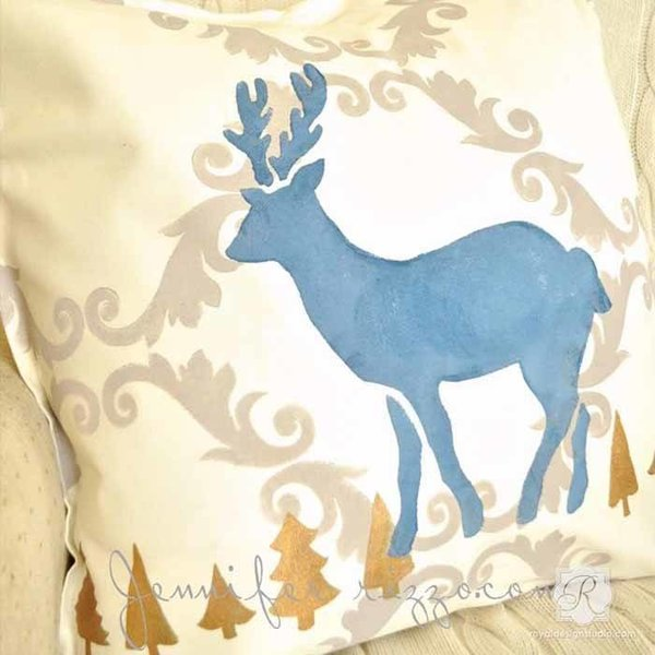 Royal Design Studio Reindeer Christmas Stencil
