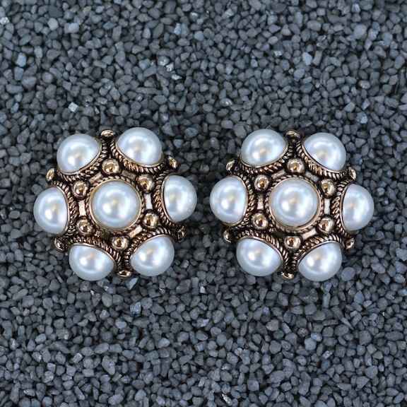 Jewelry VCExclusives: Dottie Pearl Cluster