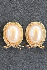 Jewelry VCExclusives: Pearl with Gold Rope Surround