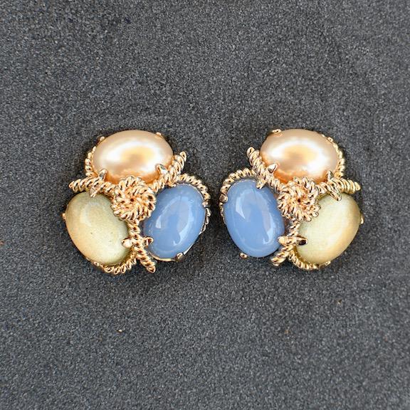 jewelry VCExclusives: Robin Pearl Lemon Blue Pierced