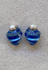 Jewelry VCExclusives: Deep Blue Shell with Pearl