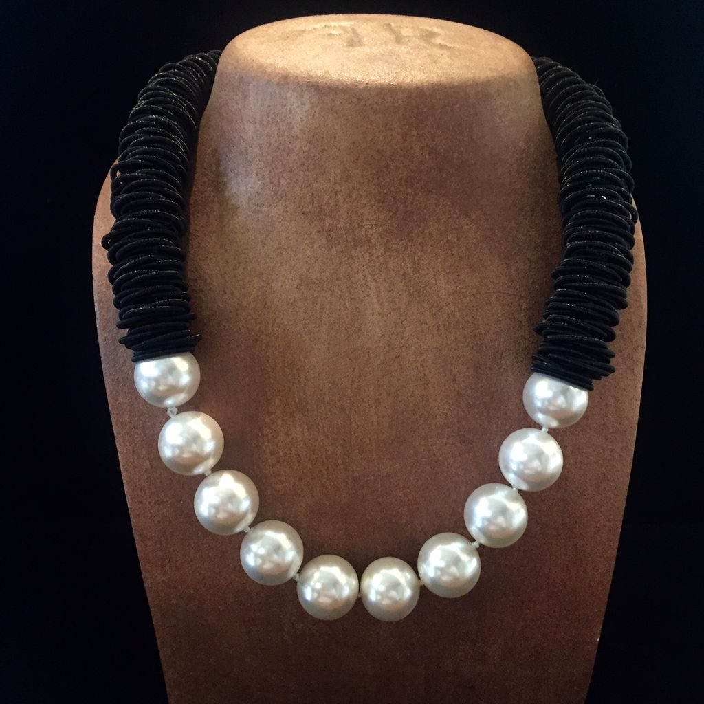 Jewelry VCExclusives: Caterpillar Black w/Pearls