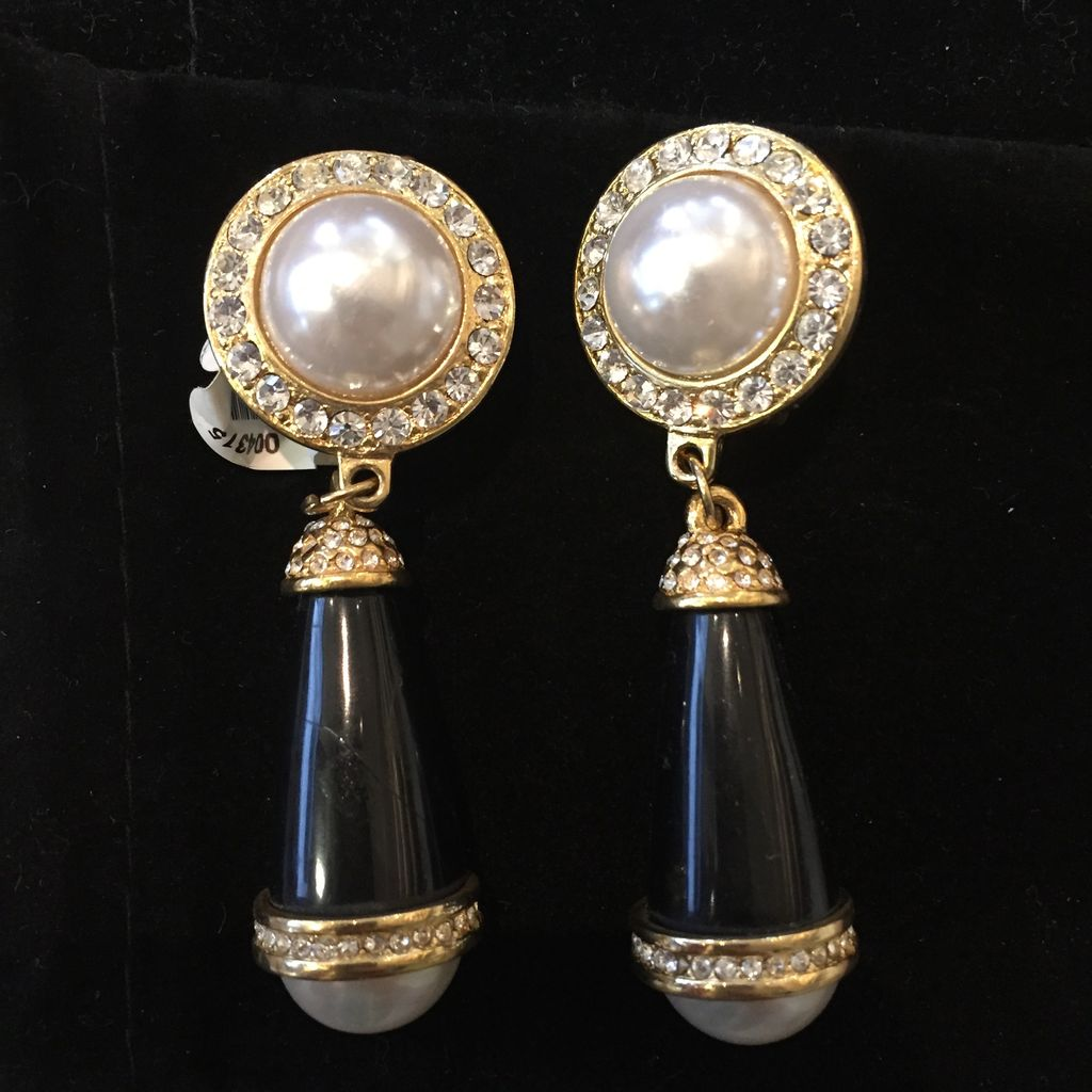 Jewelry KJLane: Pearl & Jet Evening Droplets