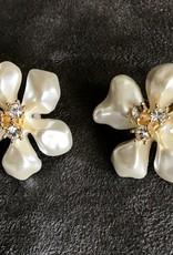 Jewelry KJLane: Flower White Pearl