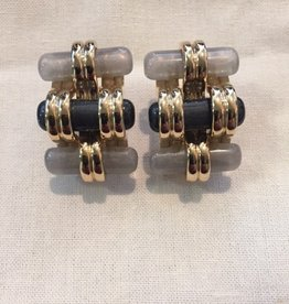 Jewelry VCExclusives: Treads Pearl & Coal