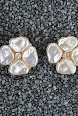 Jewelry VCElusives: Petite Pearl Flower