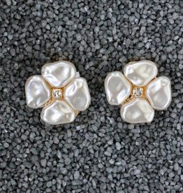 Jewelry VCElusives: Petite Pearl Flower Clip