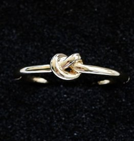 Jewelry VCExclusives: Knot Gold