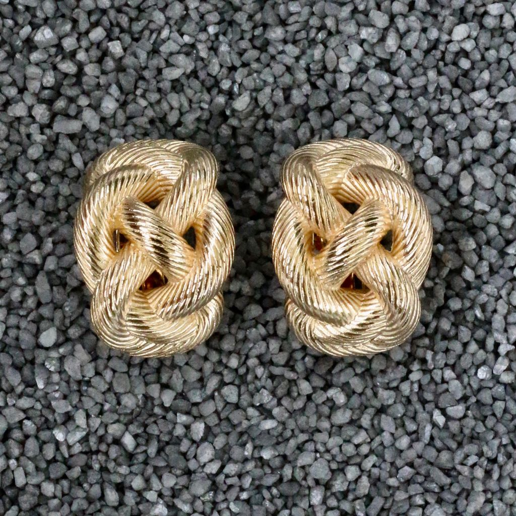 jewelry VCExclusives: Knot Swirl Silver & Gold
