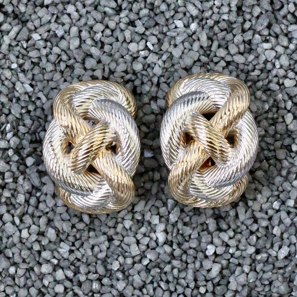 jewelry VCExclusives: Knot Swirl Gold & Silver