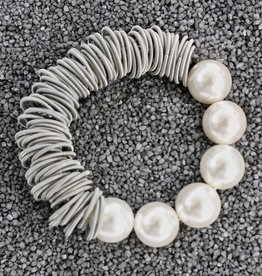 Jewelry VCExclusives: Pearls With Silver Wire