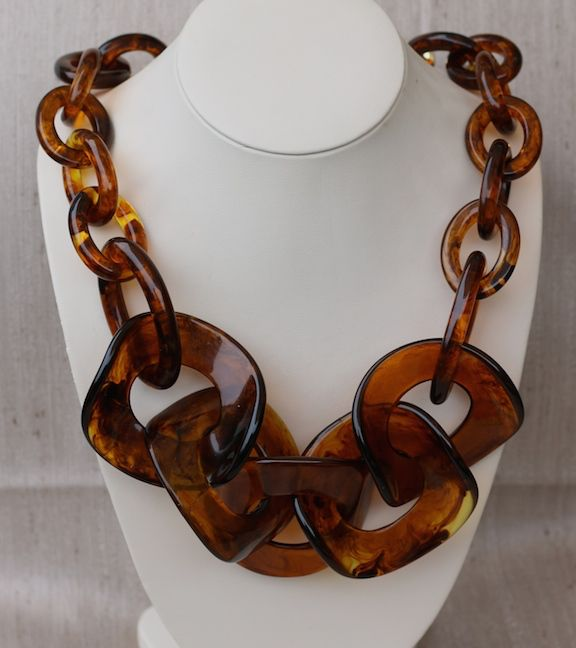 Jewelry VCExclusives:  Large Links Tortoise