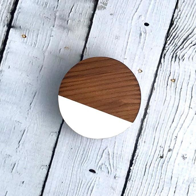 White Circle Magnetic  Air Plant Holder