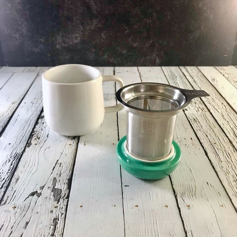 White with Green Lid 13.5oz Mug with Infuser